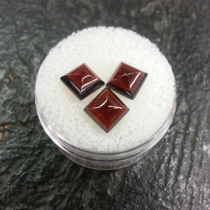square garnet faceted cabochons
